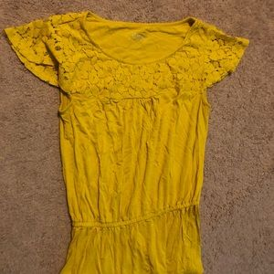 Yellow short sleeve flowy shirt
